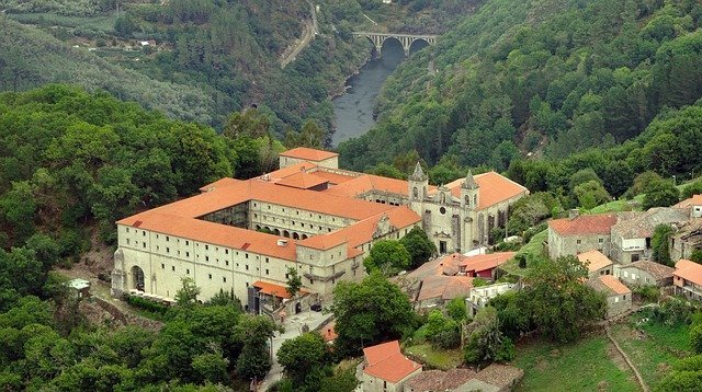 Ribeira Sacra Tours