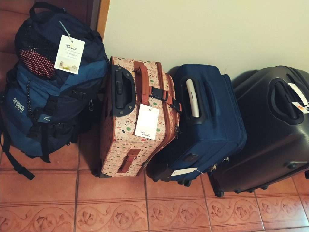 Luggage transfer galiwonders