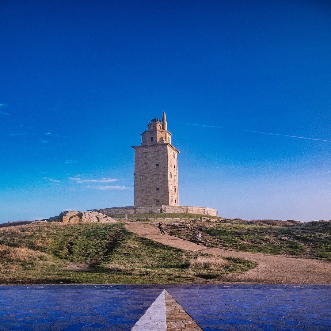 tower of hercules 4739450 1920 1